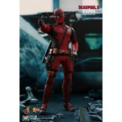 Marvel Hot Toys Deadpool 2 Movie Masterpiece Actionfigur 1/6 Deadpool (31 cm)